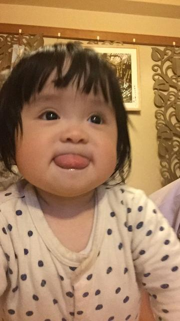 赤ちゃん 舌 を 出す